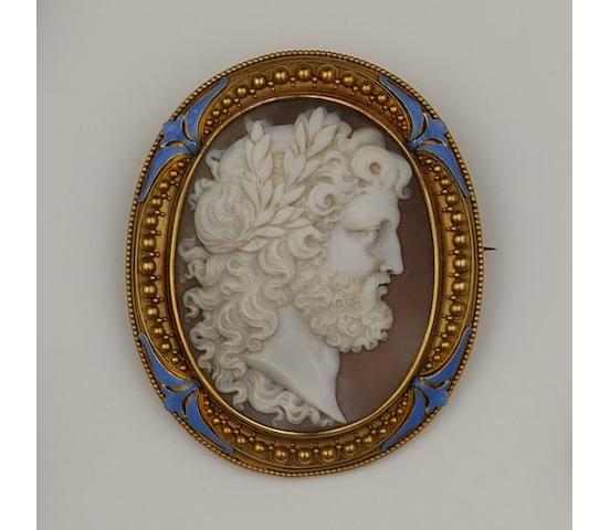 A 19th century oval shell cameo brooch