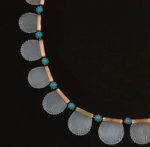 A Victorian chalcedony necklace