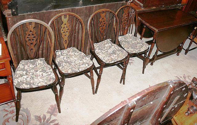 A 20th Century oak gateleg dining table
