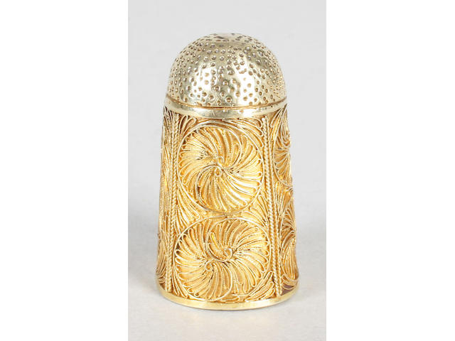 An unusual 18th century or earlier filigree gold thimble
