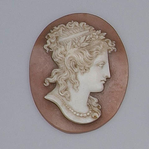 An unmounted oval shell cameo