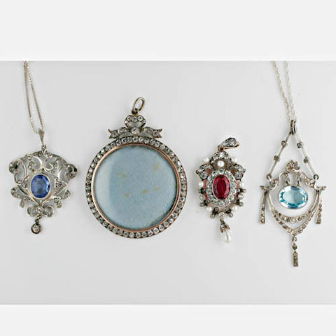 Assorted antique paste jewellery