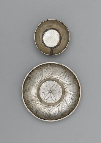 An Ottoman silver Bowl Turkey, 16th Century(2)