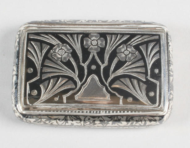 An early 20th century Austro-Hungarian niello-work snuff box Stamped '900',