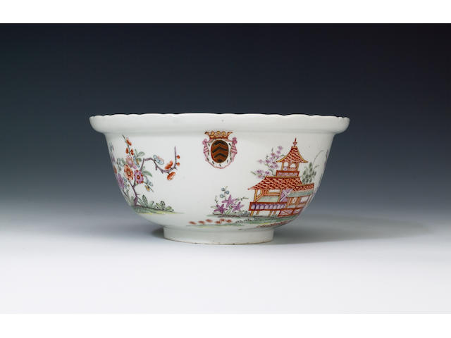 An important Du Paquier armorial bowl with 'Fabeltiere' decoration circa 1730