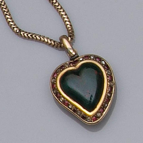 """A bloodstone """"witches heart"""" pendant (quantity)"""