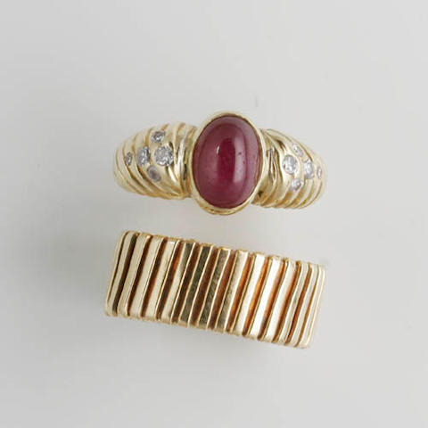 A cabochon ruby and diamond ring (2)