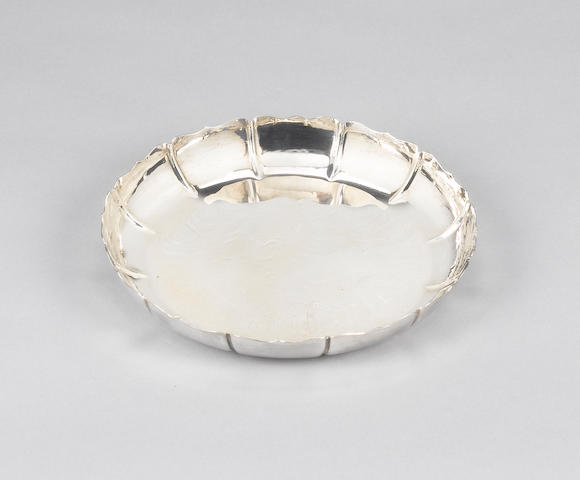 An Irish silver strawberry dish, by William Egan, Dublin 1973, also with The Gleninsheen Collar mark