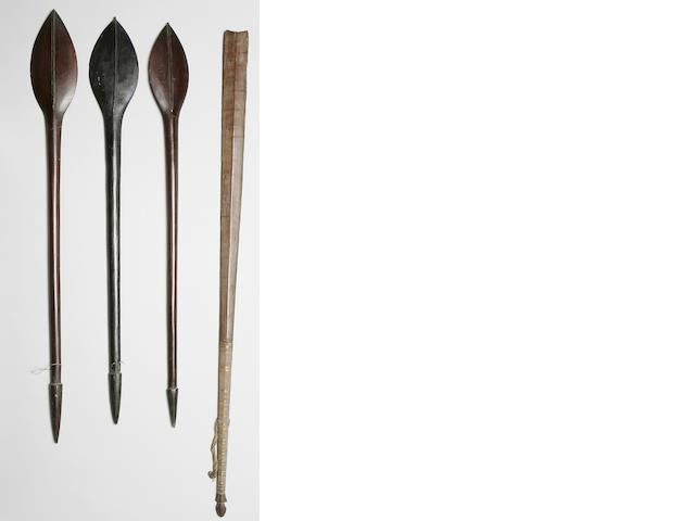 Four Solomon Islands paddle clubs 55½in (140cm) 4