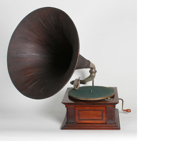 A Monarch horn gramophone by the Gramophone Co.