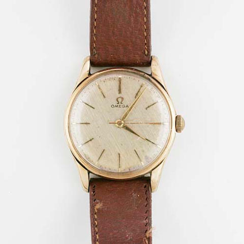 Omega: A gentleman's 9ct gold wristwatch 5