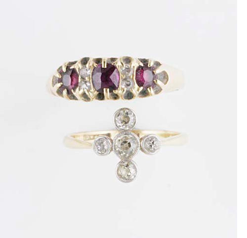An Edwardian diamond five stone ring
