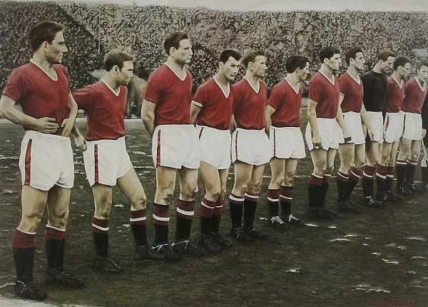 "Busby Babes ""Last line up"" print The Busby Babes line up prior to the kick off before their game in the European Cup against Red Star Belgrade, 5th February 1958.  Hand signed to the mount by survivors, Albert Scanlon, Ray Wood, Jackie Blanchflower, Ken Morgans, Harry Gregg."