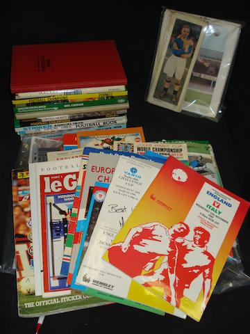 Miscellaneous football programmes, books and cards