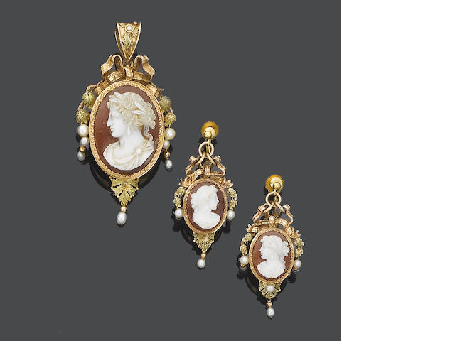 A late 19th century hardstone cameo brooch/pendant and earring suite,