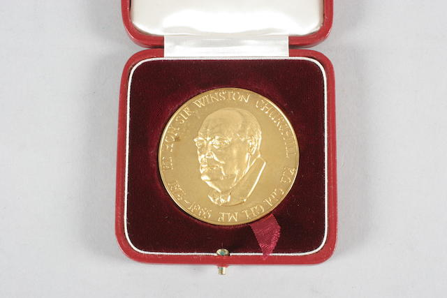 A 22ct gold medallion