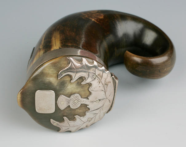 A ram's horn snuff mull