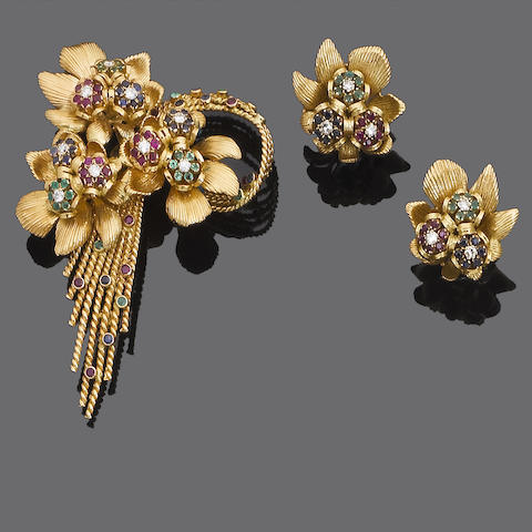 A gold and gem-set brooch and earclip suite, by Kutchinsky, (2)
