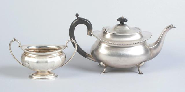 A teapot By I. S. Greenberg, Birmingham, 1933,  (2)