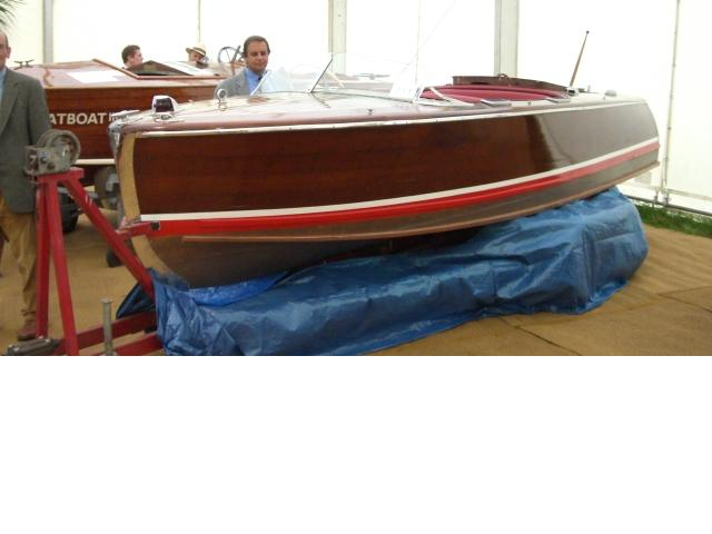 """Rana"" a 17ft ,Chris Craft De Luxe Runabout"
