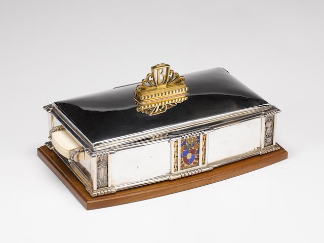 A. E. JONES : A silver, silver-gilt and enamelled casket / cigar box,