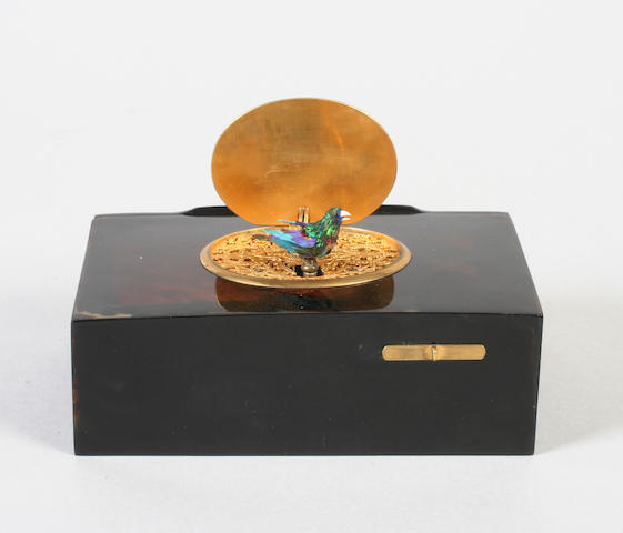A Bontems singing bird box