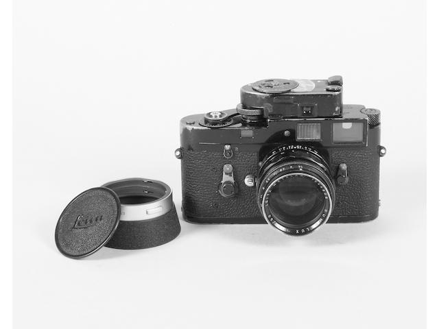 Leica M2 camera black-paint