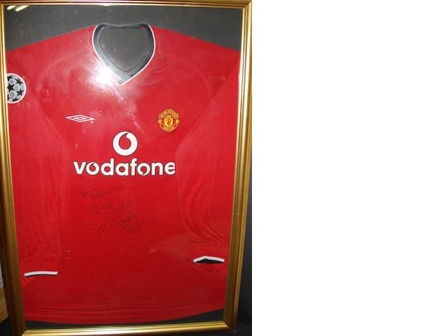 Teddy Sheringham Manchester United signed shirt