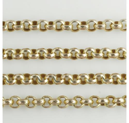 A long belcher-link guard chain,