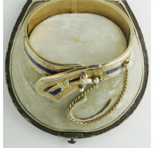 A hinged bangle,