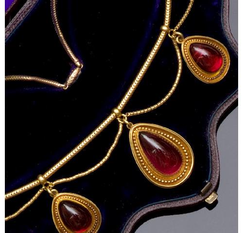 A Victorian garnet fringe necklace