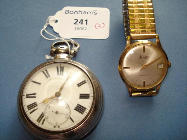 A 9ct gold Accurist gentleman's wristwatch