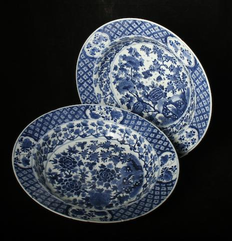 A pair of large Chinese blue and white dishes, Kangxi