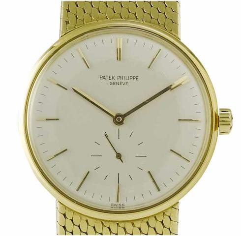 Patek Philippe. A fine 18ct gold automatic bracelet watchRef:3425, Case No.2636860. Movement No.1114076, London Import mark for 1964
