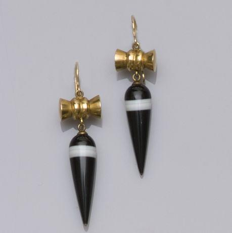 A pair of late Victorian banded onyx earpendants