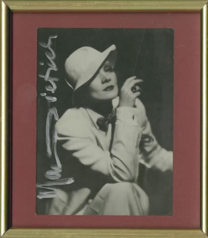 Three Marlene Dietrich autographs, comprising;3