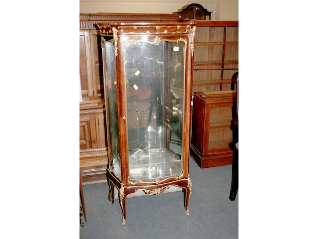 A Louis XVI style vitrine