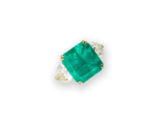 An emerald and diamond ring, by Dianoor