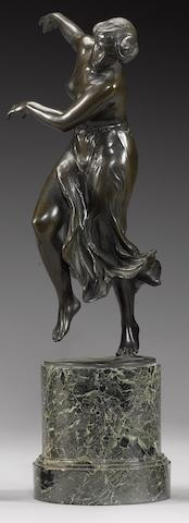 Erich Schmidt-Kestner (German, 1877-1940): An early 20th century bronze model of a dancing woman