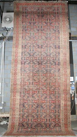 A Feraghan khelleh West Persia, 614cm x 244cm