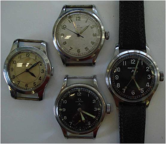 A lot of 4 various military wristwatches(4)