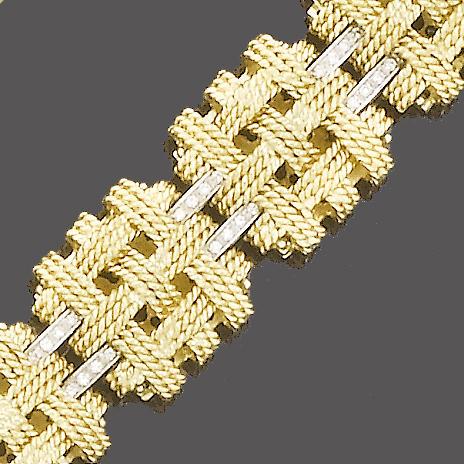 A fancy-link diamond necklace and bracelet suite