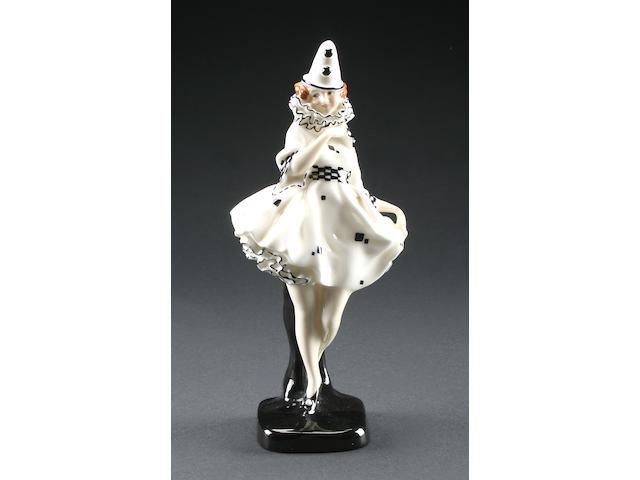 Figurines Pierette, a Royal Doulton figure