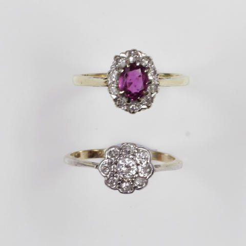 A diamond flowerhead cluster ring