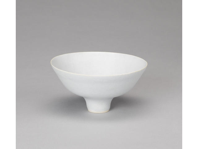 Dame Lucie Rie a small footed Bowl, circa 1960 Diameter 15.5cm (6 1/8in.)