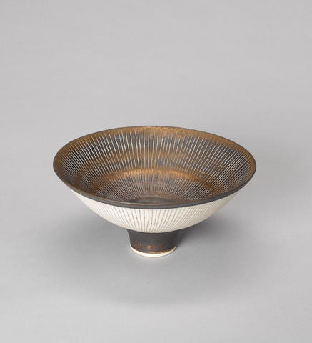 Dame Lucie Rie a footed Bowl, circa 1982 Diameter 22cm (8 7/8in.)