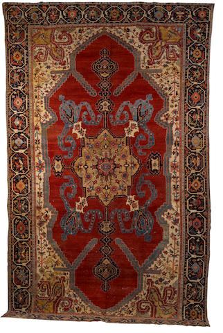 A late 19th century Serapi carpet North West Persia, 19 ft 6 in x 11 ft 10 in (594 x 361 cm)