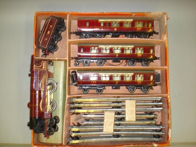 Hornby Series E320 Royal Scot passenger train set