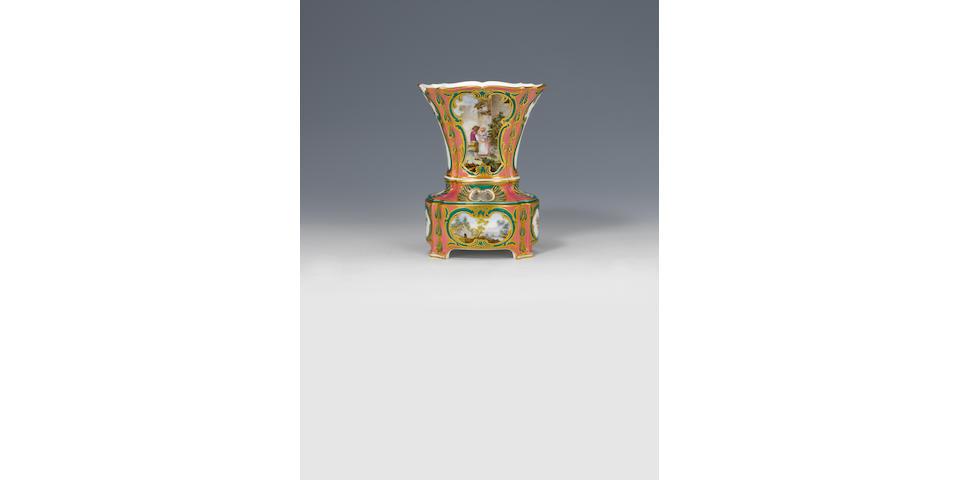 A Sèvres vase 'hollandois nouveau ovale' or bulb vase circa 1760