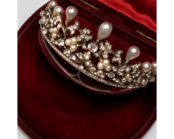A simulated pearl and colourless paste tiara